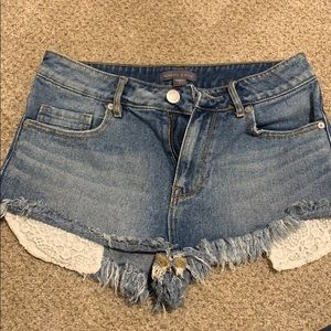 ☀️ Kendall & Kylie jean shorts